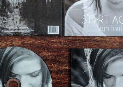 Arjet Stoffer – Album cover & booklet